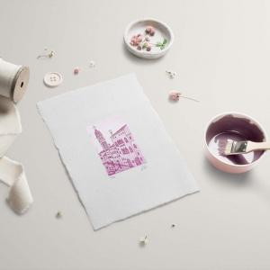 campanile dei greci color rosa su carta bianca