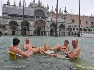 stupid people and high water in venice